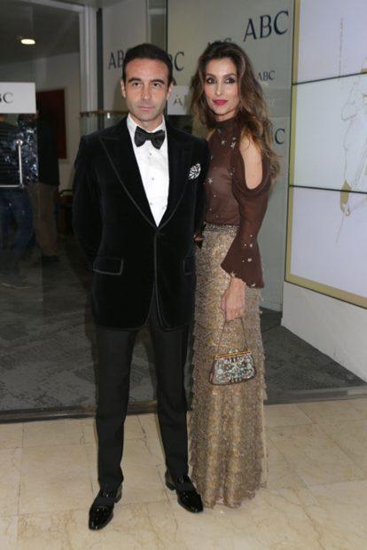 Enrique Ponce y Paloma Cuevas en una imagen de archivo./Gtres