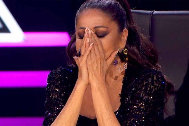 Isabel Pantoja ha roto a llorar nada más escuchar la canción del artista. Un momento, sin duda, de lo más especial./Telecinco