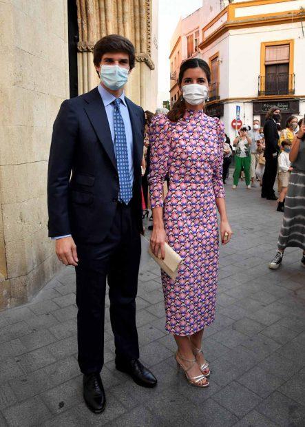 Carlos Fitz-James Stuart y Belén Corsini han reaparecido una semana después de dare el 'sí, quiero' en los jardines del palacio de Liria./Gtres