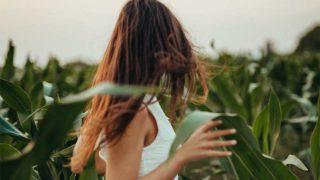 Los remedios para dar volumen a tu pelo lacio y fino