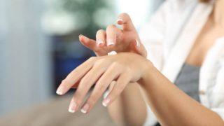De qué modo podemos suavizar unas manos secas