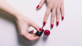 Descubre cómo hacer que el esmalte de uñas semipermanente te dure más de dos semanas