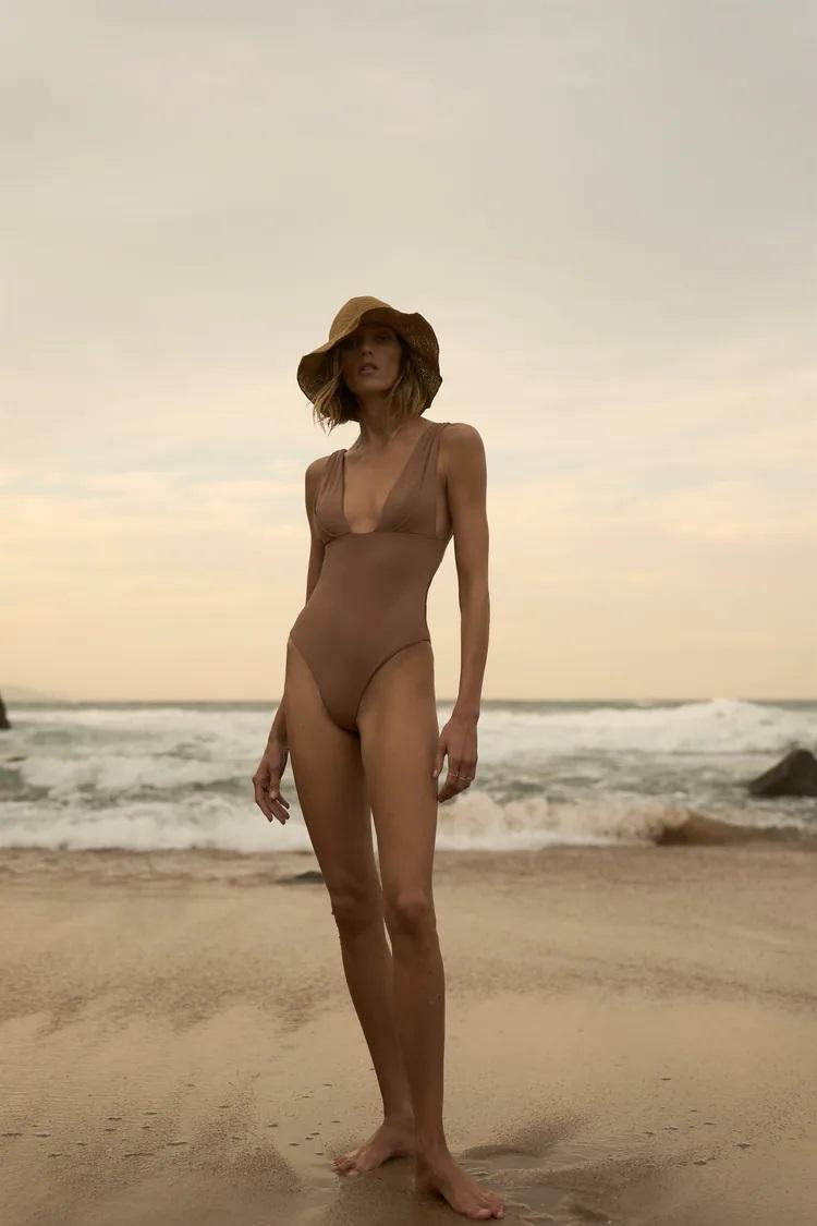 Zara revienta los precios de los bañadores, estos 5 modelos de diseño valen 22,95 euros
