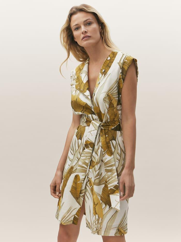 El vestido de Massimo Dutti que representa el verano 2021, cómodo y funcional