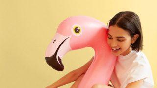 Stradivarius, Bershka, Lefties y Zara se rinden ante el calzado del verano: Las chanclas de goma