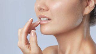 Cómo usar el labial transparente de forma correcta