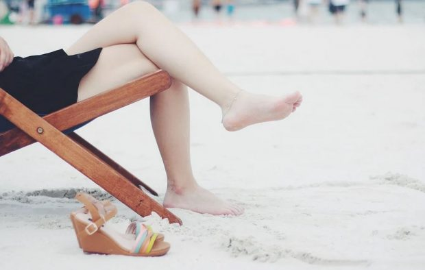 Las sandalias son para el verano ¡aprende a combinarlas!