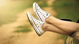 ¡Fanáticas de las sneakers!: estas son las combinaciones para la temporada estival