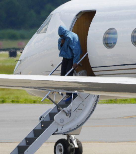 Kanye West en el aeropuerto de Taterboro (Nueva Jersey)./Gtres