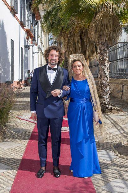 José Antonio León, muy emocionado el día de su boda./Gtres