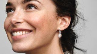 Pandora tiene los pendientes de perlas únicos y exclusivos de los que te enamorarás
