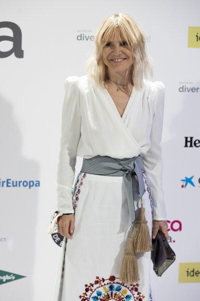 Eugenia Martínez de Irujo ha lucido un vestido blanco de estilo étnico para los premios Diversia 2021./Gtres