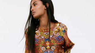 Zara fusiona arte y moda con el vestido túnica con estampado de rosetón medieval