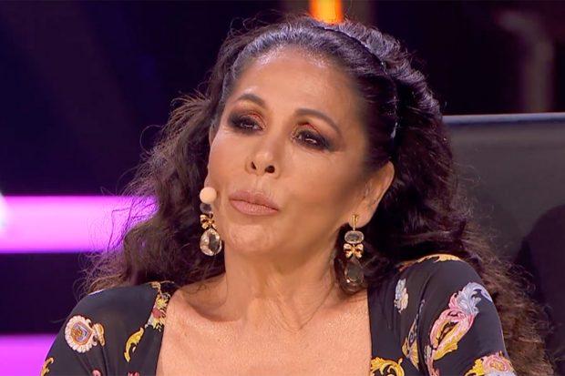 Isabel Pantoja visiblemente emocionada tras la actuación de uno de los participantes./Telecinco