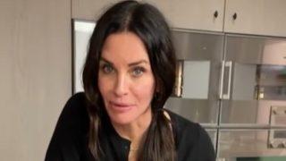 La receta de espaguetis digna de 'Friends' en la que Courtney Cox pone un punto picante