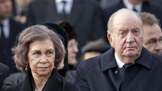 Los reyes. Juan Carlos y Sofía en el funeral de Miguel de Rumanía / Gtres