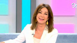 Ana Rosa Quintana ha cerrado la temporada enfundada en su color talismán, el blanco / Telecinco