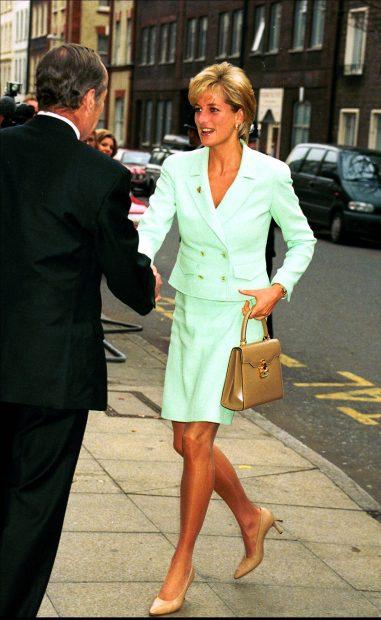 Lady Di luciendo un traje dos piezas en color verde menta./Gtres