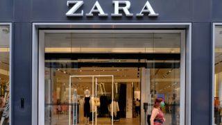 Zara versiona y mejora el vestido de Saint Laurent más brillante de su colección