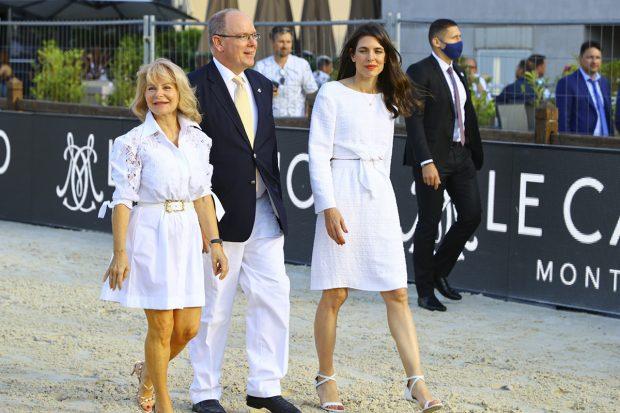 Carlota Casiraghi junto al príncipe Alberto./Gtres