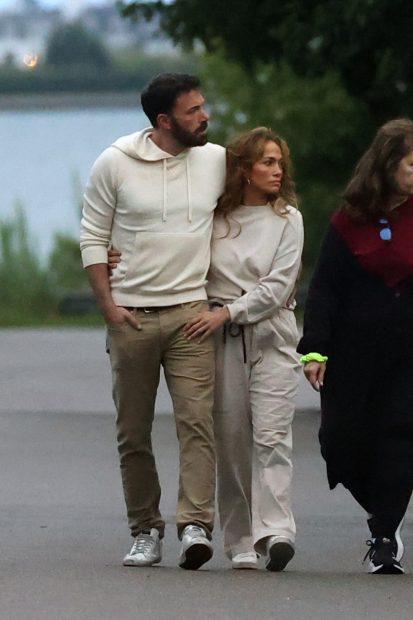 Las estrellas de Hollywood han retomado una relación que dejaron atrás hace más de 17 años. Ambos han lucido un 'look' muy similar donde el color nude ha sido el protagonista./Gtres