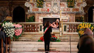 El funeral de Raffaella Carrá se ha celebrado en en una iglesia del centro de Roma / Gtres