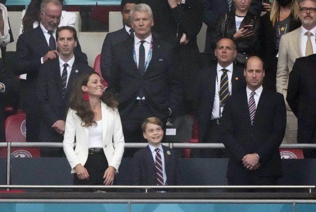 Los duques de Cambridge, junto a su hijo el príncipe George, en la final de la Eurocopa 2020 / Gtres