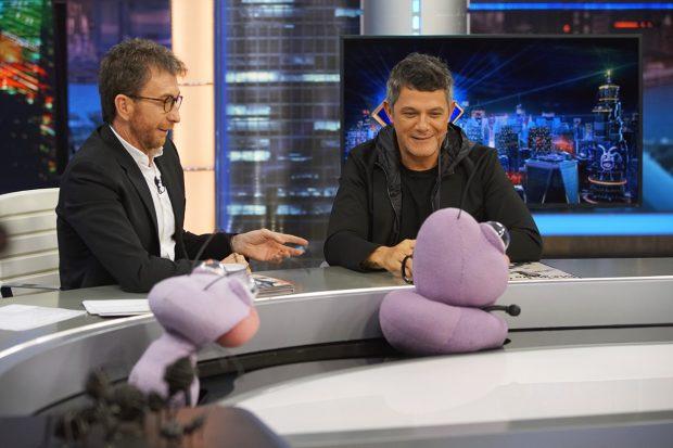 Pablo Motos y Alejandro Sanz en 'El Hormiguero'./Gtres