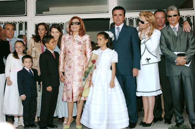 La familia de Rocío Jurado en la primera comunión de Gloria Camila./Gtres
