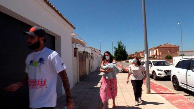 Jessica Bueno llega a casa con su nuevo hijo / Gtres