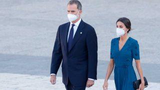 Felipe y Letizia, durante el homenaje a las víctimas de la pandemia / Gtres