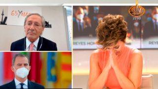 Sonsoles Ónega no puede reprimir las lágrimas durante la intervención de Fernando Ónega en su programa/Telecinco