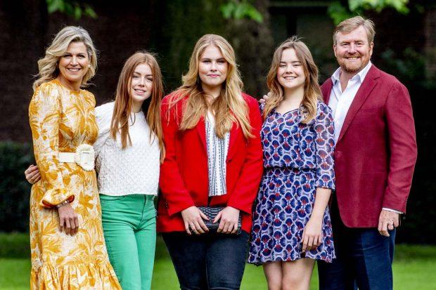 Guillermo y Máxima de Holanda y las Princesas Amalia, Alexia y Ariane