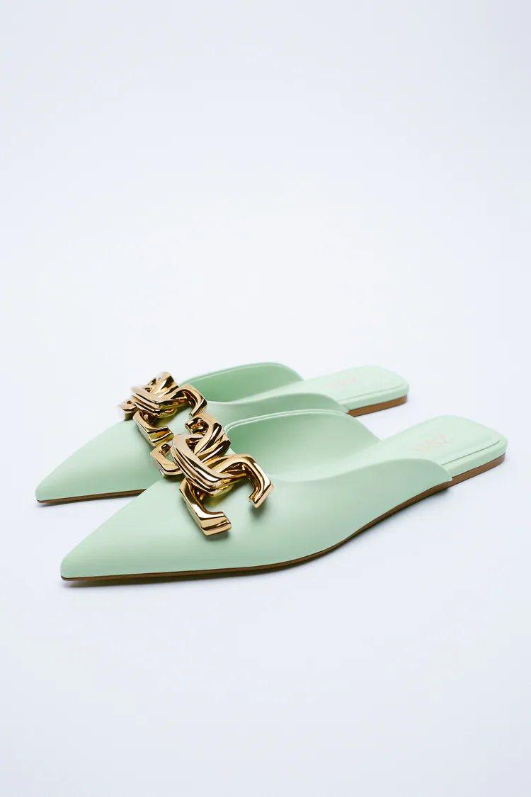 Zara deja a España en shock con su nueva colección de sandalias dignas de Sexo en Nueva York