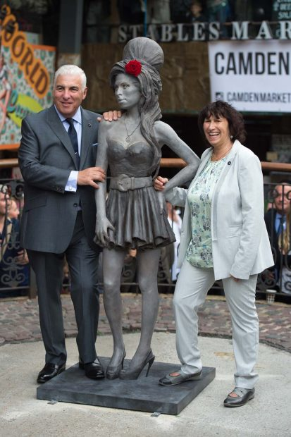 Mitch y Janis Winehouse