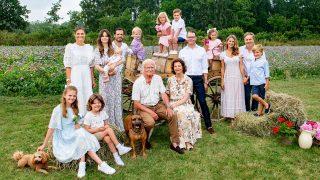 La Familia Real Sueca da la bienvenida al verano con un posado con todos sus miembros/Gtres
