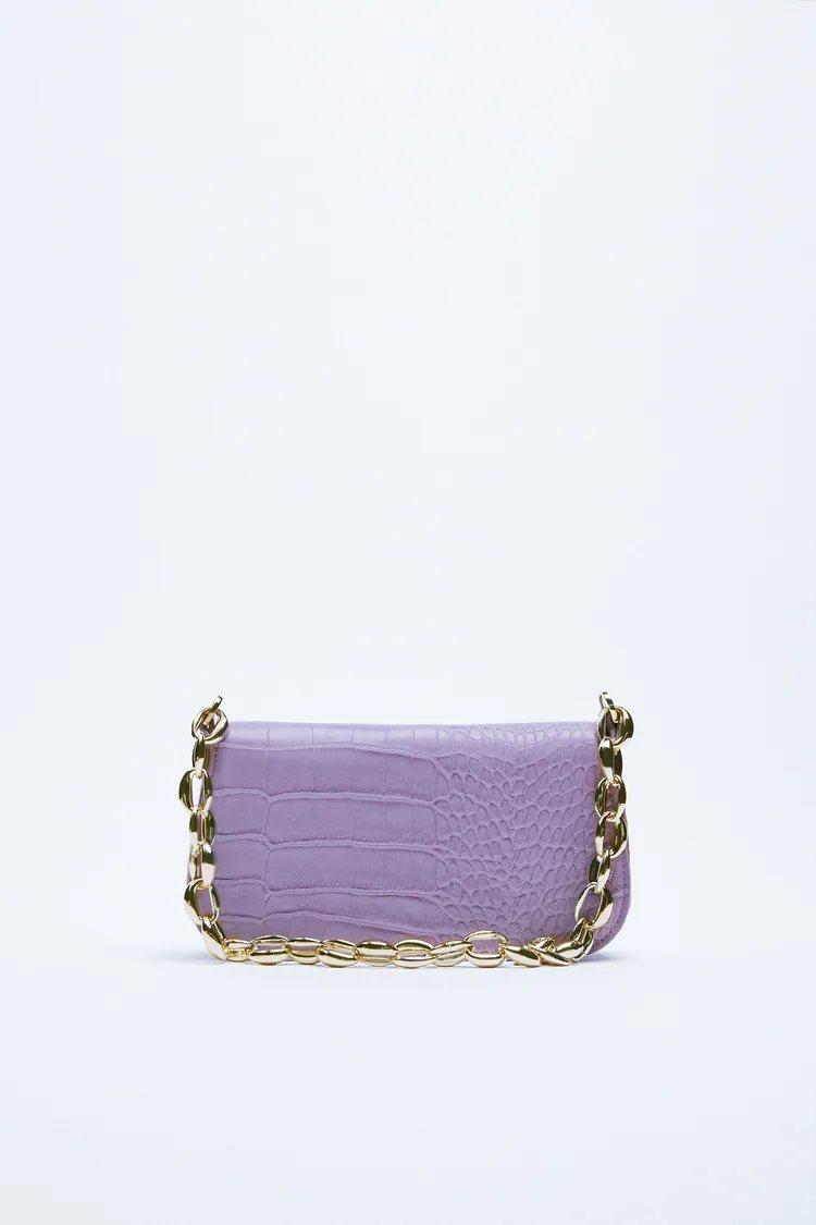 Zara adapta y colorea el bolso baguette de Fendi para convertirlo en viral