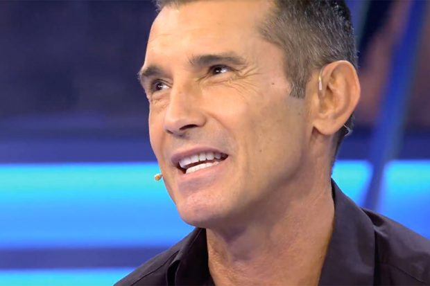 Jesús Vázquez en 'Volverte a ver', formato presentado por Carlos Sobera./Telecinco