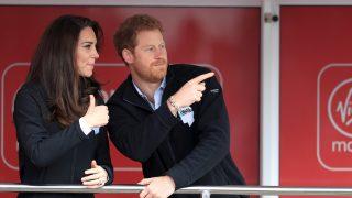 Kate Middleton y el príncipe Harry en una imagen de archivo / Gtres