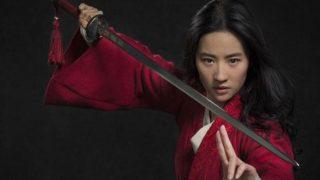 Zara versiona el vestido rojo con bordados orientales de la película Mulán