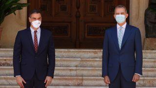 El Rey Felipe y Pedro Sánchez / Gtres