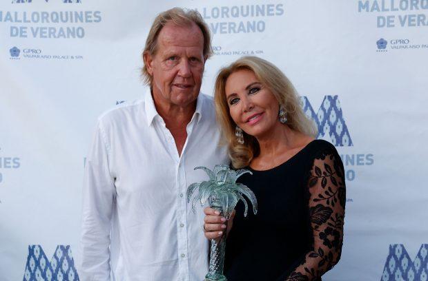 Norma Duval, Matthias Khün