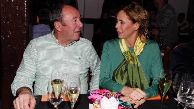 Luis Miguel Rodríguez y Ágatha Ruiz de la Prada en una imagen de achivo./Gtres