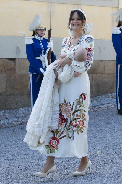Sofía de Suecia, radiante en el bautizo de su hijo./Gtres