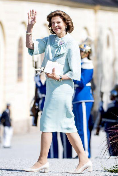 La Reina Silvia ha lucido un dos piezas verde aguamarina./Gtres