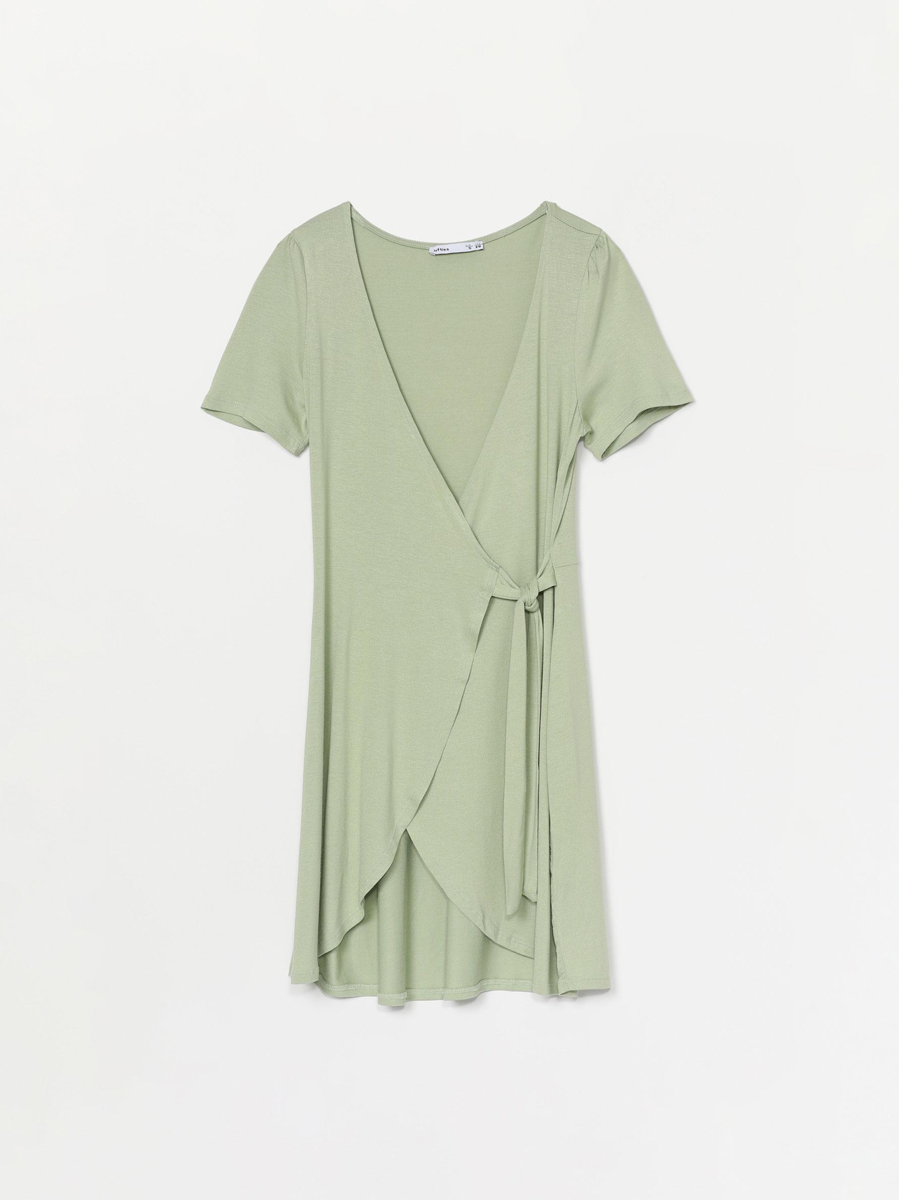 El vestido de Lefties para volver a la oficina hace tipazo y está inspirado en una obra de arte