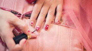 Manicura colombiana: la preferida para el bienestar de uñas y manos