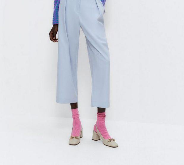Es el caso de los calcetines y tacones, una tendencia que llega y parece que va a arrasar en la nueva temporada.