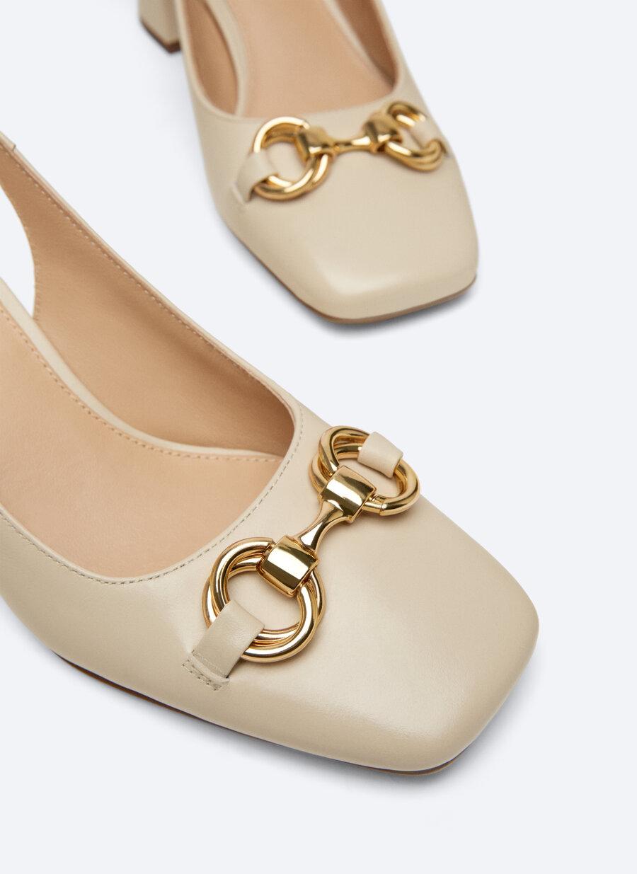 Uterqüe tiene los zapatos destalonados inspirados en Gucci más bonitos que hayas visto nunca