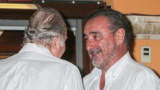 Carlos Herrera y el rey Juan Carlos en una imagen de archivo / Gtres